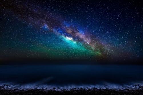 Milky-Way-over-the ocean