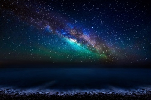 Milky-Way-over-the ocean