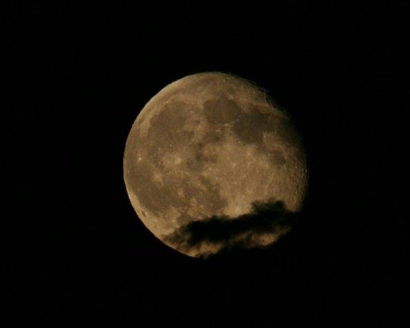 waning-gibbous-moon-14